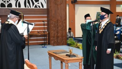 Photo of Prof. Nasih Appointed as Universitas Airlangga Rector for 2020-2025