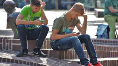 Photo of Internet Addiction in Teenagers Leads to Emotional Issues